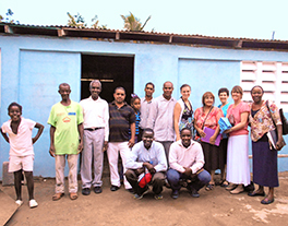 Dubuque Theological Seminary mission team with Pastor Alejandro and community members