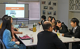 Students at Shikoku Gakuin University enjoy a seminar with their professor. Photo courtesy of Shikoku Gakuin University