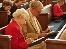 Couple completing the U.S. Congregational Life Survey